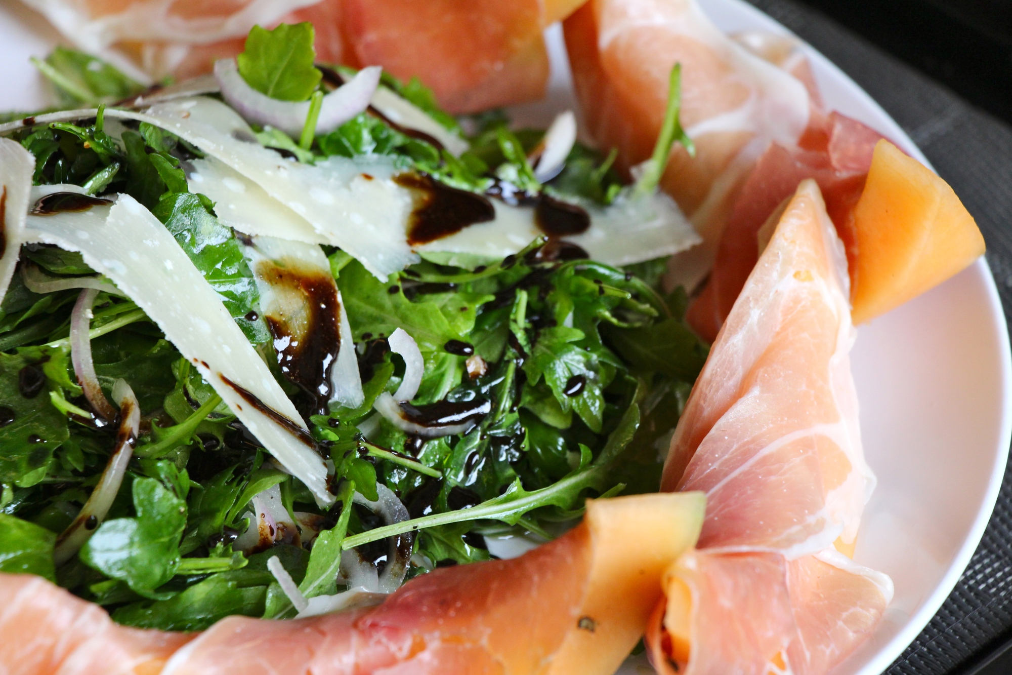 Prosciutto Melon Salad with Balasamic Syrup |monsoontable.wordpress.com