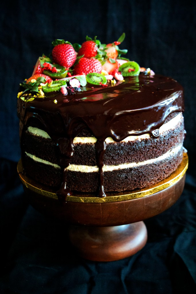 beetroot chocolate cake with whipped cream and chocolate ganach_02